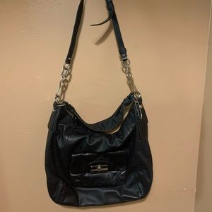 Great used Authentic Coach crossbody/shoulder bag.